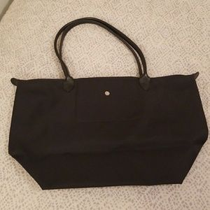 EUC Longchamp Le Pliage large nylon purse